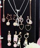 Boekje voor sieraden opbergen - print bruin_