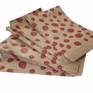 Papieren zakjes / cadeauzakjes 10x16 cm bruin met lieveheersbeestjes 100 stuks - 50 grams natron kraft papier